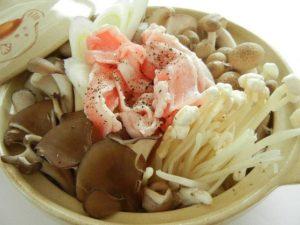たっぷりキノコの和風タジン(蒸し鍋)