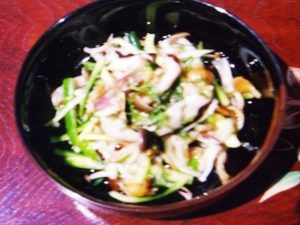 茹できのこと野菜の塩もみ合わせ